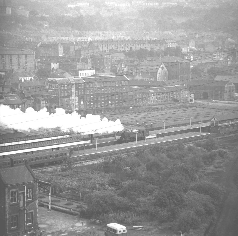 108-5 Sowerby Bridge 42410 running round Leeds portion of Leeds + Bradford – Blackpool excursion Sat 2/10/65