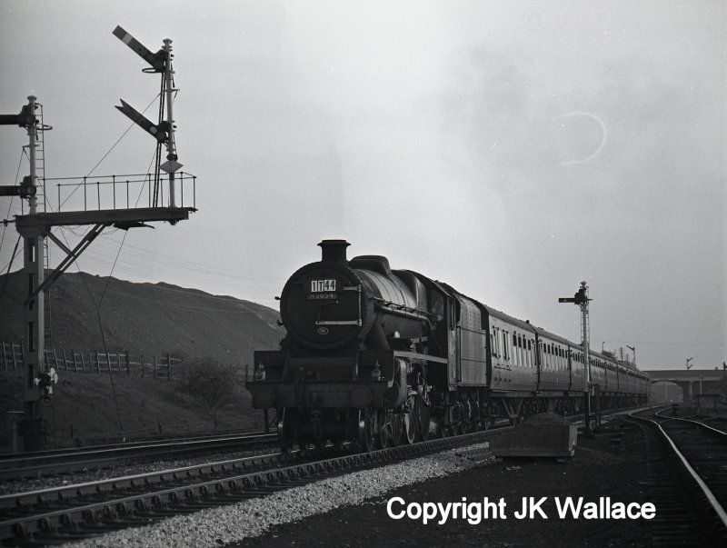 LMS (BR) Stanier Jubilee 45654 'Hood' leaving Westhoughton with 1T44 return advertised excursion seen at 20.39 Southport – Manchester Victoria on Saturday 28 May 1966