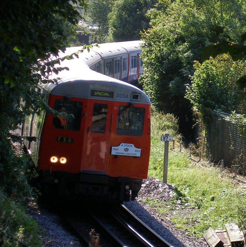 A60 farewell tour approaches Chesham on 29 September 2015 led by unit 5034