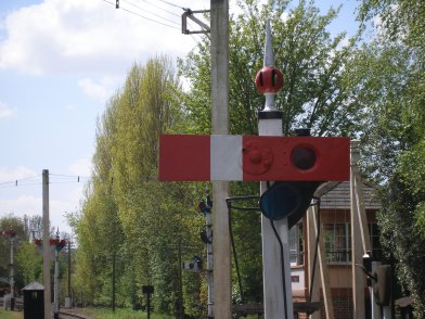 The short rotating GWR signal arm for locations where there was not room to site a conventional signal and arm. Didcot Railway Centre 6 May 2013