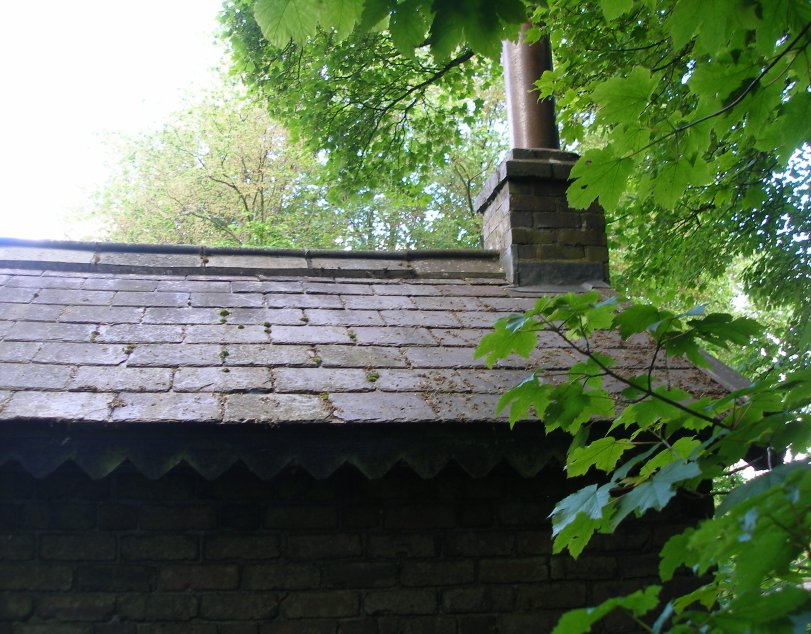 L&NWR Hartington Permanent Way Hut 10 July 2014 Side elevation (west facing) showing chimney detail