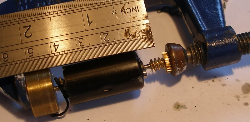 Hi-Level gear box showing the worm being fitted to the Mashima motor using a G-clamp