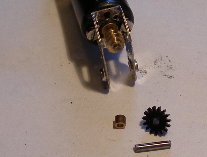Hi-Level gear box showing the spacer and gear wheel before fitting on the intermediate drive shaft