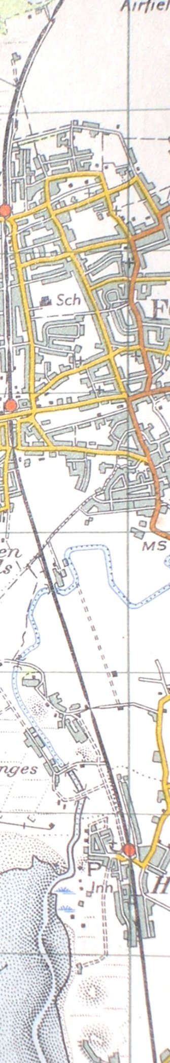 A section from the 1961 Ordnance Survey Map showing the Liverpool - Southport line of the Lancashire & Yorkshire Railway between Freshfield and Hightown.
