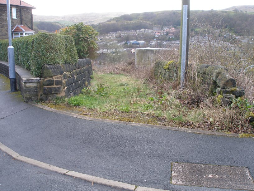 Modern day access to the original alignment of Hall Royd Road