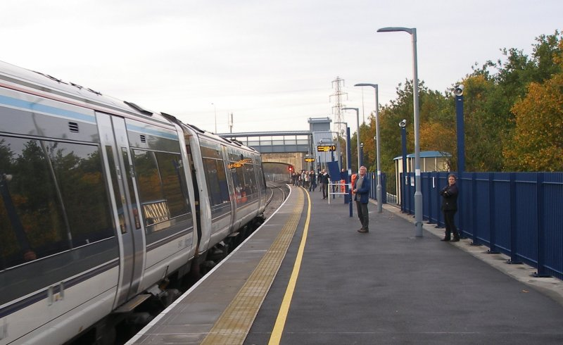 Oxford Parkway Sunday 25 October 2015: first train runs into platform 2.
