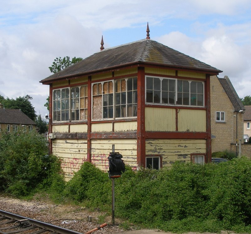 Stamford Signal Box, three quarters front, June 2015