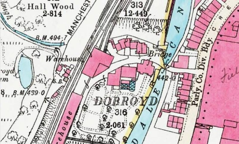 Map showing warehouse at the end of Todmorden Goods Yard and next to Dobroyd Crossing.